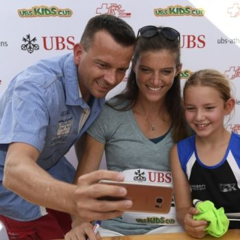 Autogrammstunde Lea Sprunger, UBS Kids Cup (Photo: UBS Kids Cup)
