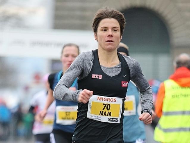 Maja Neuenschwander läuft beim Silvesterlauf in Zürich 2017