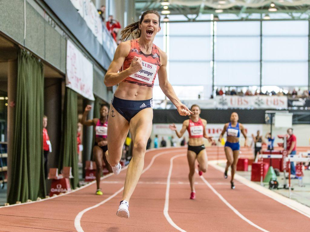 Lea Sprunger gewinnt an der Hallen-SM 2018 in Magglingen mit Schweizer Rekord den Final über 200 m (Photo: athletix.ch)